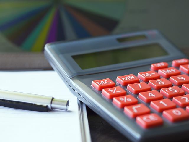 Счетоводни операции при изплащане на неизплатени заплати след съдебно решение