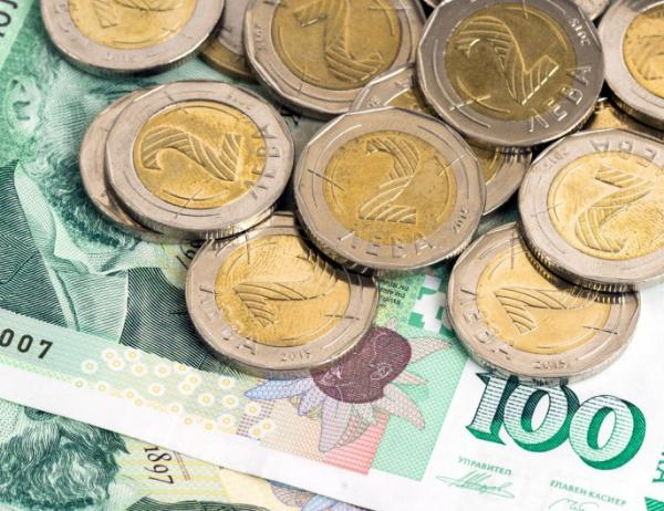 Плащанията в брой остават до 10 000