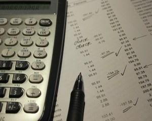 Издаване на фактура за продажба по договор с цесия и осчетоводяване