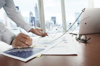 Изчисляване на авансов данък върху начислен наем с ДДС